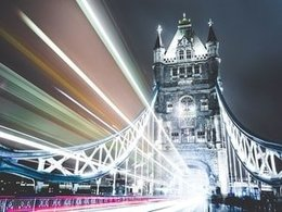 A Beginner's Guide to London, Travel Options and Minibus Hire
