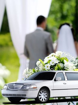 Don't waste time and Rent Best Wedding Limo Service